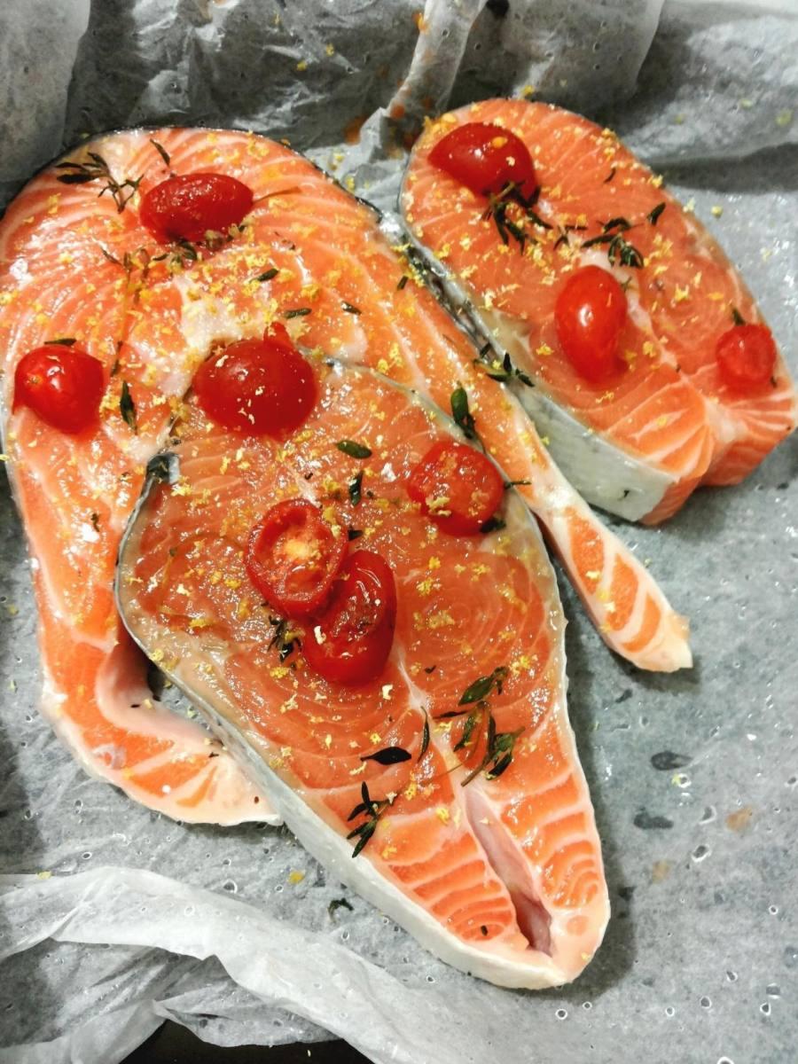 salmone al cartoccio aromatico