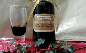 liquore alla liquirizia fatto in casa con polvere di liquirizia di Calabria