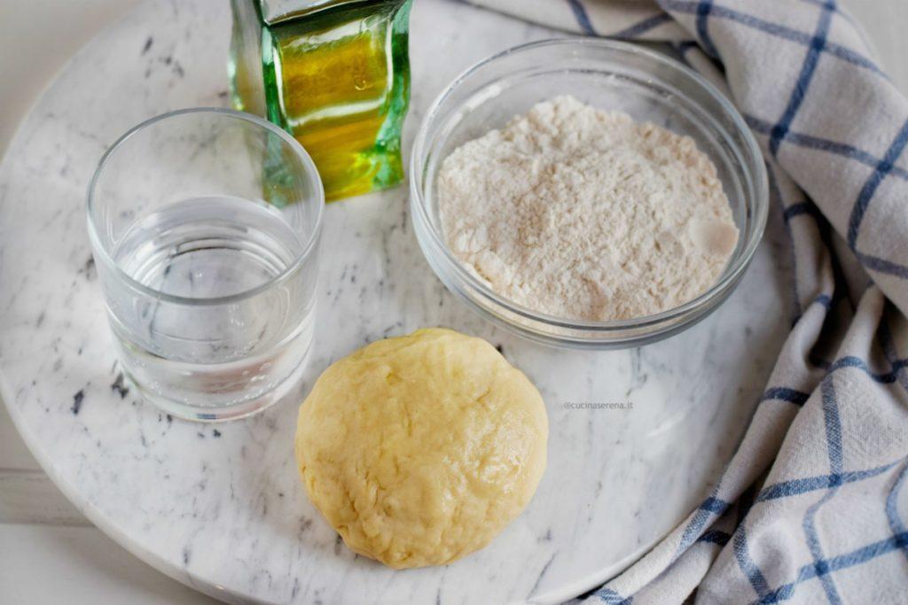 Pasta matta ricetta light e vegan simile alla briseèe con olio al posto del burro