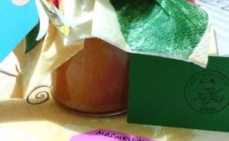 barattoli di marmellata di clementine e cannella