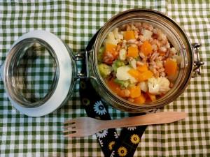 Insalata di farro con broccolo zucca insaporito con acciughe - schiscetta