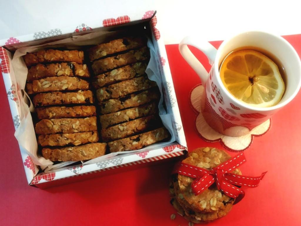 Biscotti con farina integrale, di farro, fiocchi d'avena e
