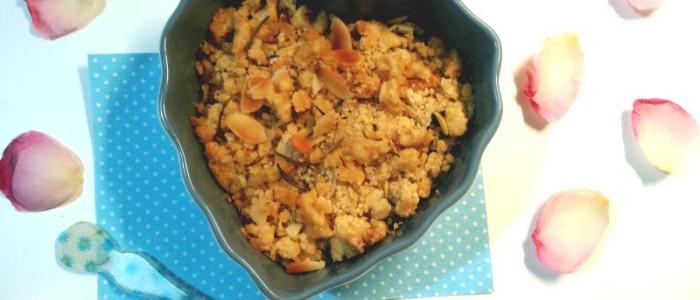 dessert al cucchiaio con arancia, prugne, mandorle e rosamrino