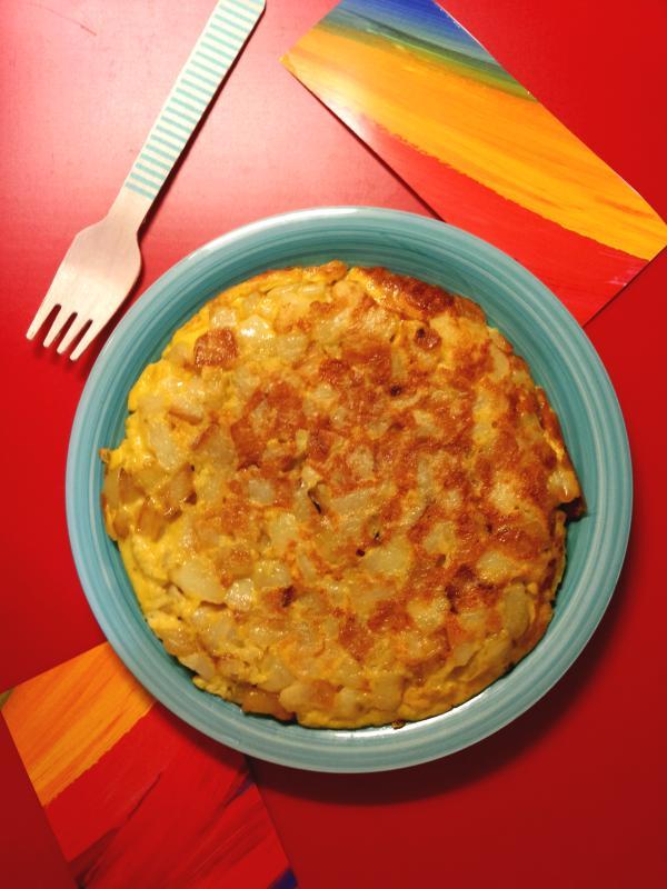 Tortilla di patate e cipolle