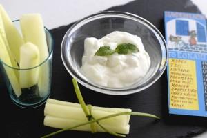 salsa con yogurt cetriolo ed aglio
