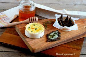 Camembert al forno con miele