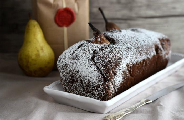 torta al cioccolato con pere