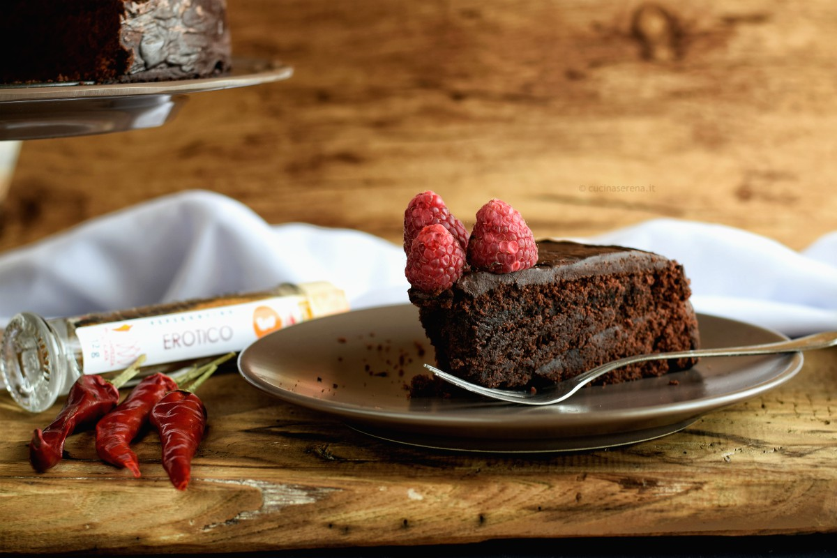 torta vegana con barbabietola e cioccolato