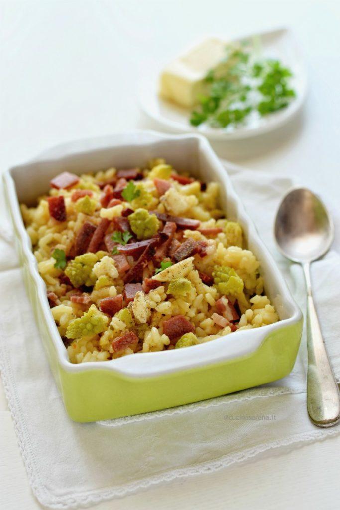Riso al forno con broccoli e speck, ilr riso si cuoce in forno con il broccolo e verso la fine si aggiunge lo speck