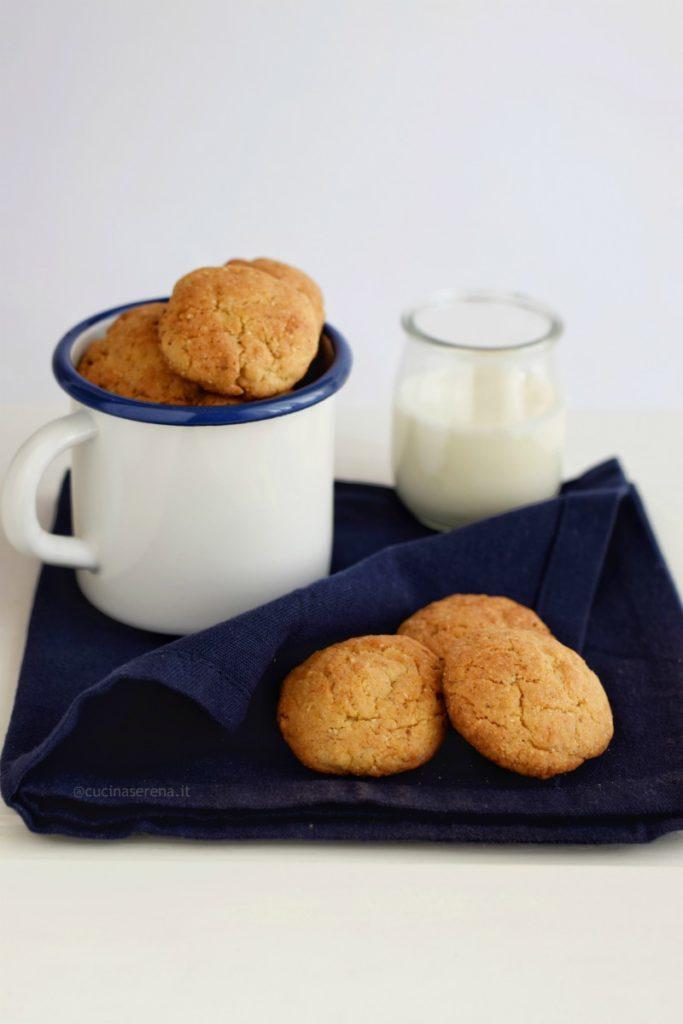 frolletti biscotto simili agli amaretti