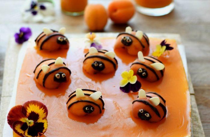 bee cheesecake