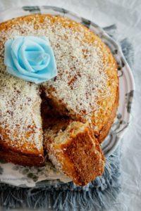 torta zero senza uova nè lattosio con pere nell'impasto, farina di cocco e cioccolato
