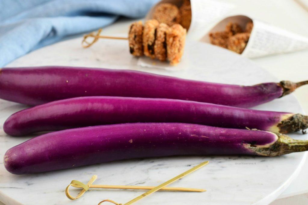 melanzane viola strette e lunghe