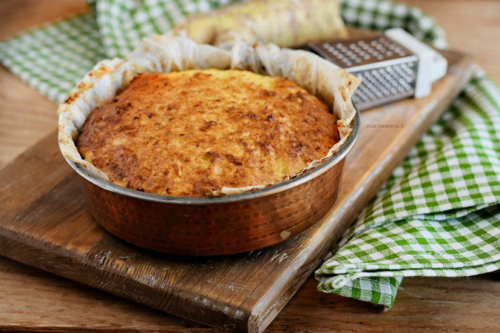 rafanata sorta di frittata con rafano tipica di carnevale in basilicata. Presentata intera dentro un tegame di rame. La rafanta lucana ha l'aspetto di una torta rustica con la superficie ambrata