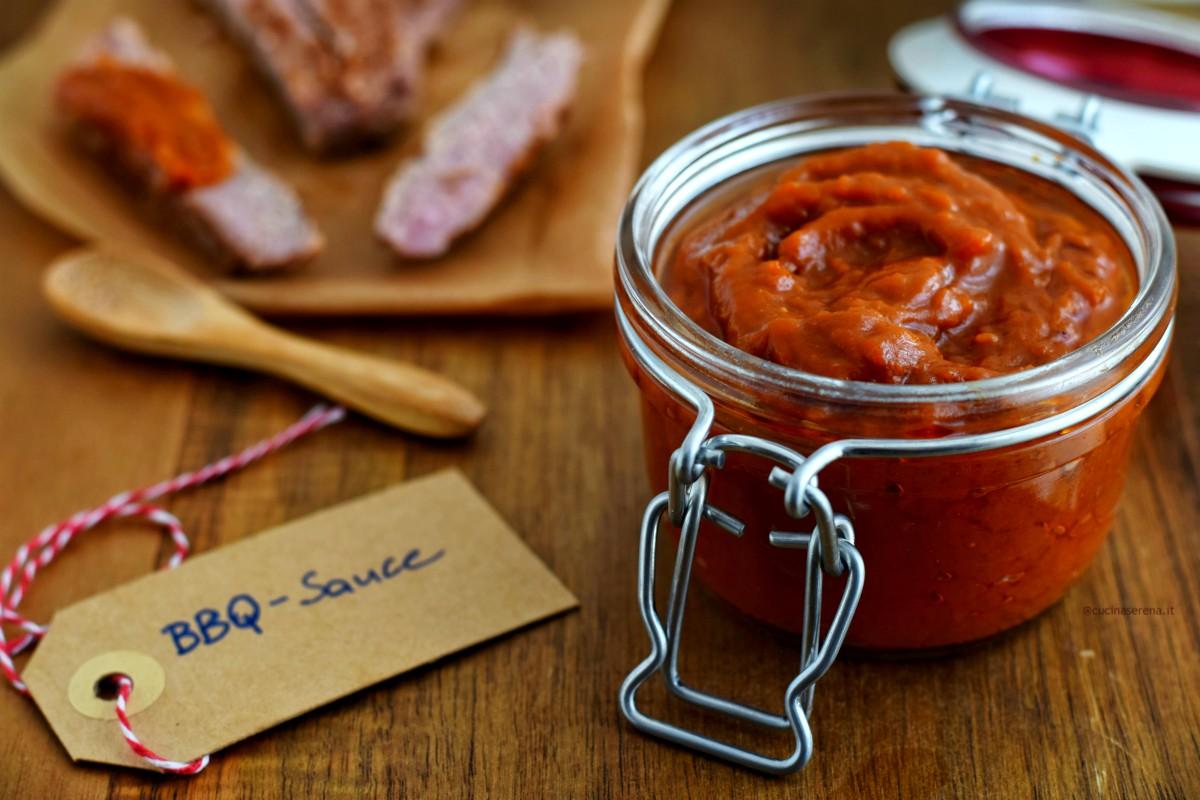 salsa barbecue anche conosciuta come salsa bbq è un condimento americano per accompagnare le carni cotte alla griglia o al barbecue