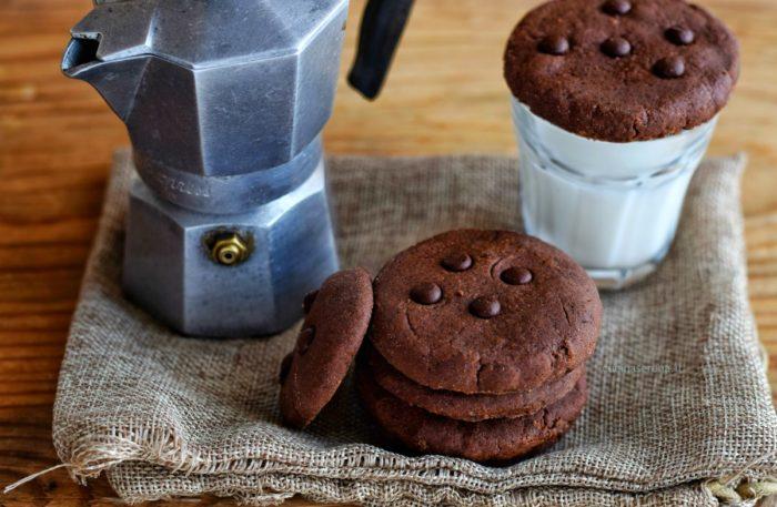 Biscotti al cioccolato al microonde