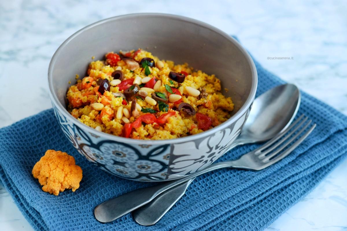 Cous cous di cavolfiore arancione con verdure - ricetta vegan e gluten free