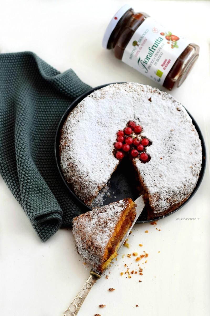 Torta versata (dolce con uno strato di confettura all'interno della torta) ricetta con confettura Rigoni di Asiago