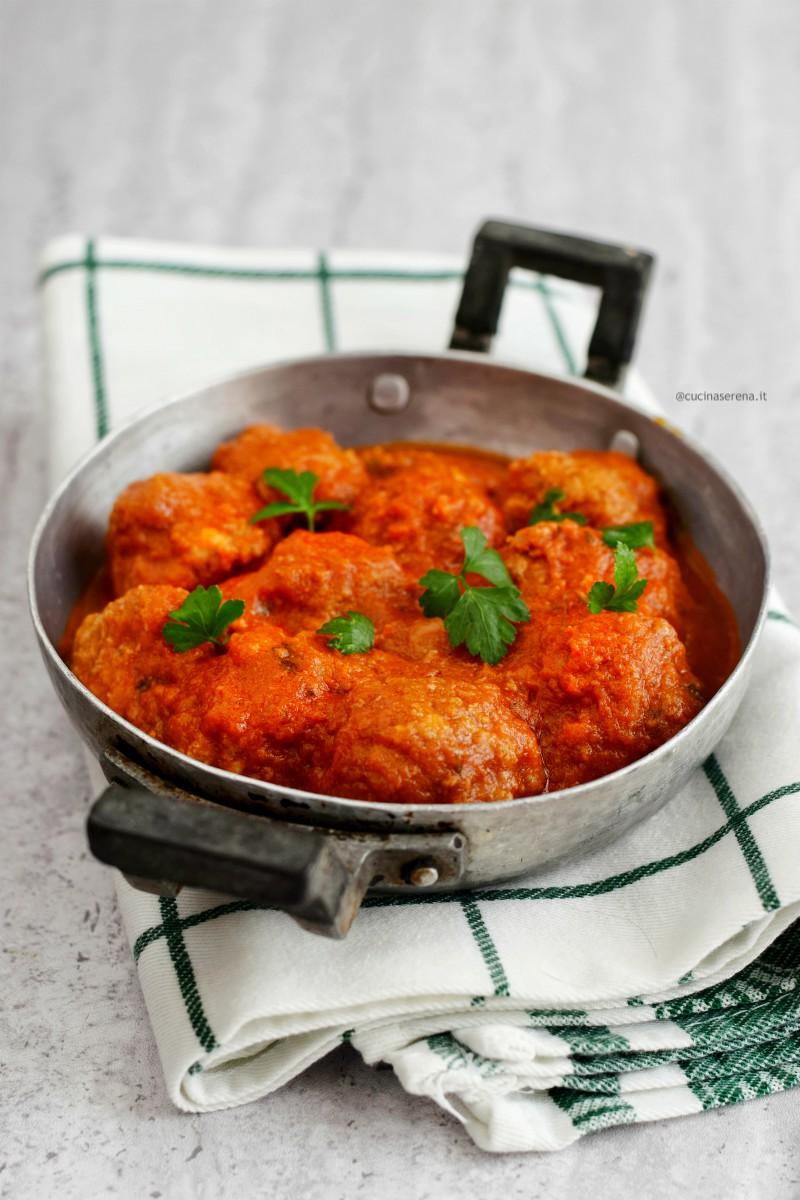 Polpette di carne al sugo di pomodoro, ricetta classica della tradizione italiana