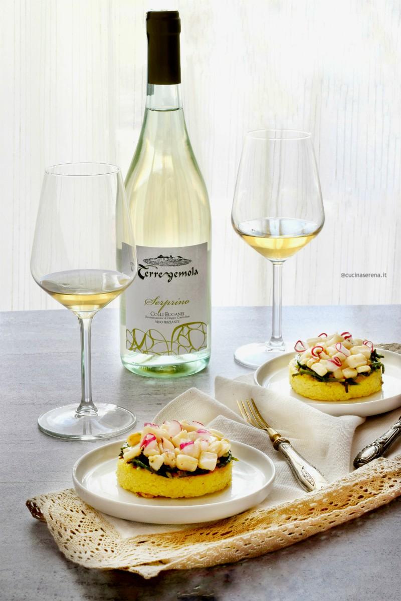 tTortino di polenta grigliata con calamari affogati al vino e salicornia veneta