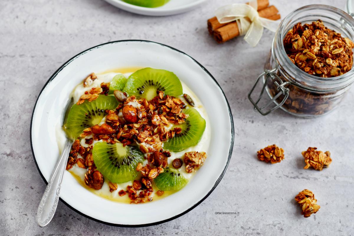 Granola senza zucchero fatta in casa - vegan homemade granola