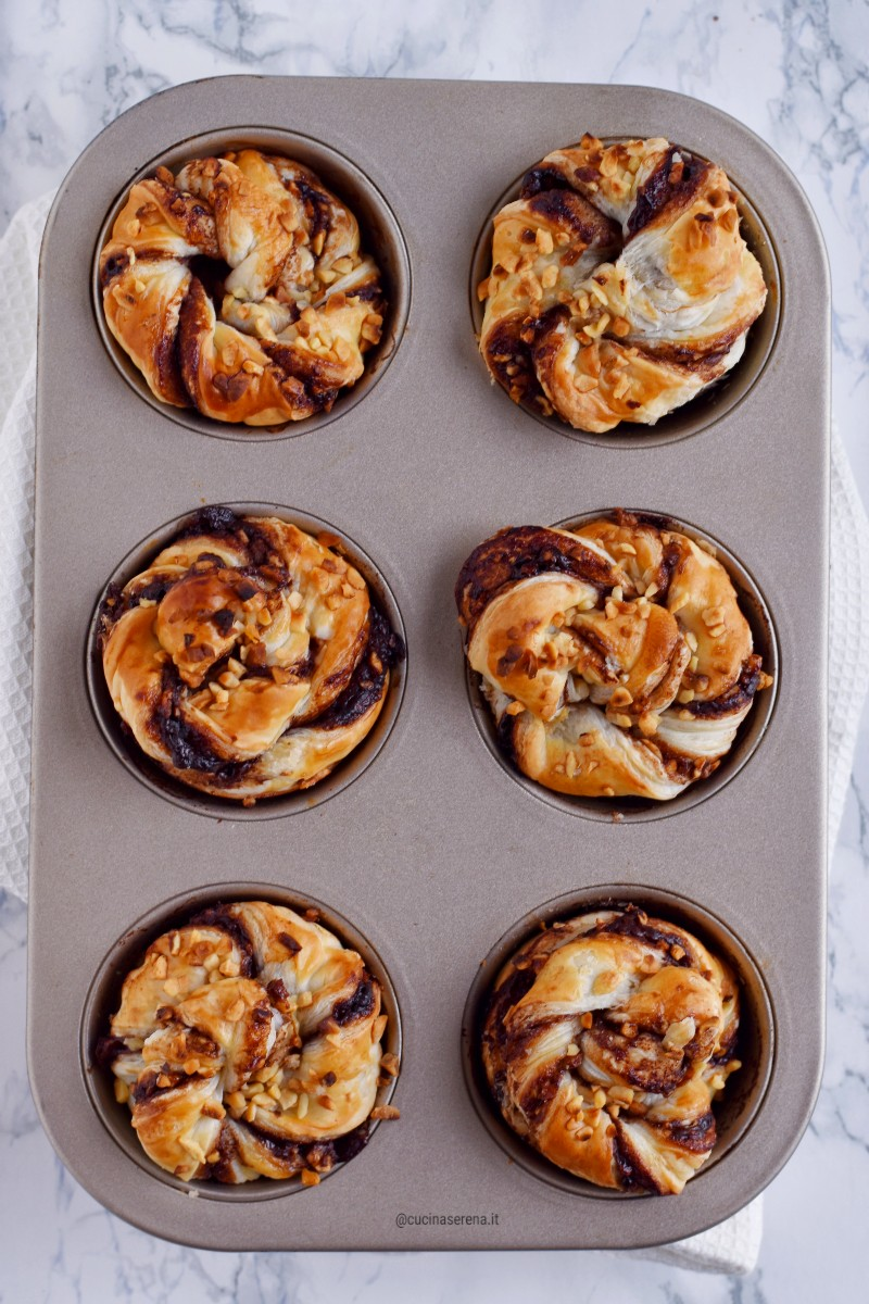 Muffin di sfoglia con crema di nocciole