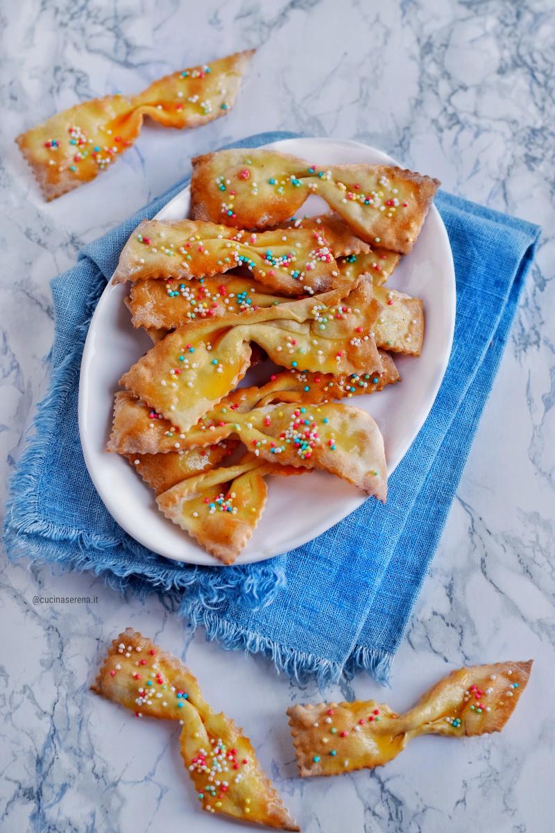 Frappe al forno con codette arcobaleno