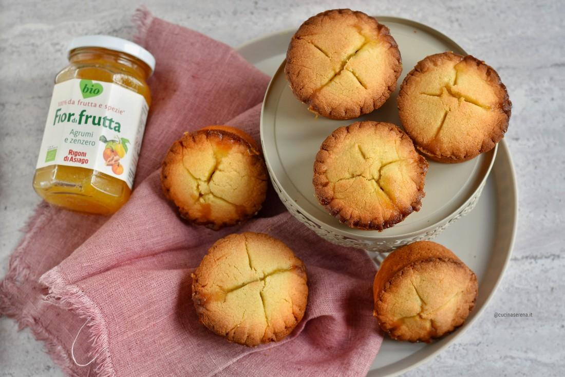 crostatine con mele caramellate e confettura di agrumi e zenzero