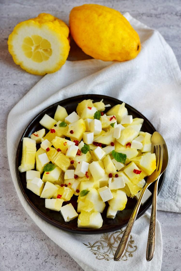 Insalata di limoni di Procida o panlimone con primosale
